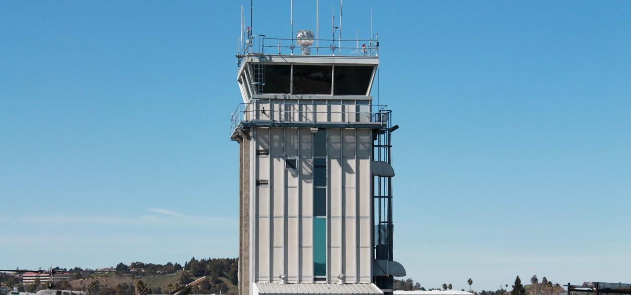 airport security persuasive essay