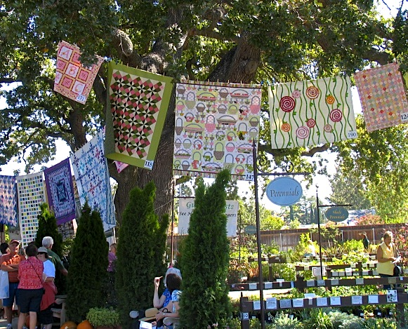 garden hanging quilts