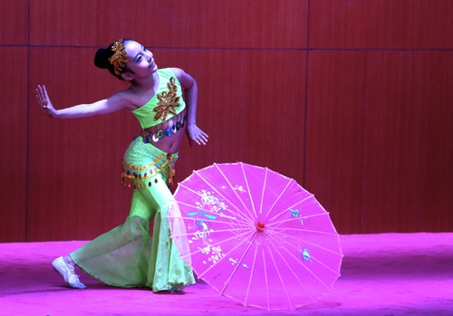tianjin-umbrella-dancer