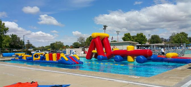 New Inflatable Obstacle Courses At The Clarke Swim Center In Walnut Creek Claycord